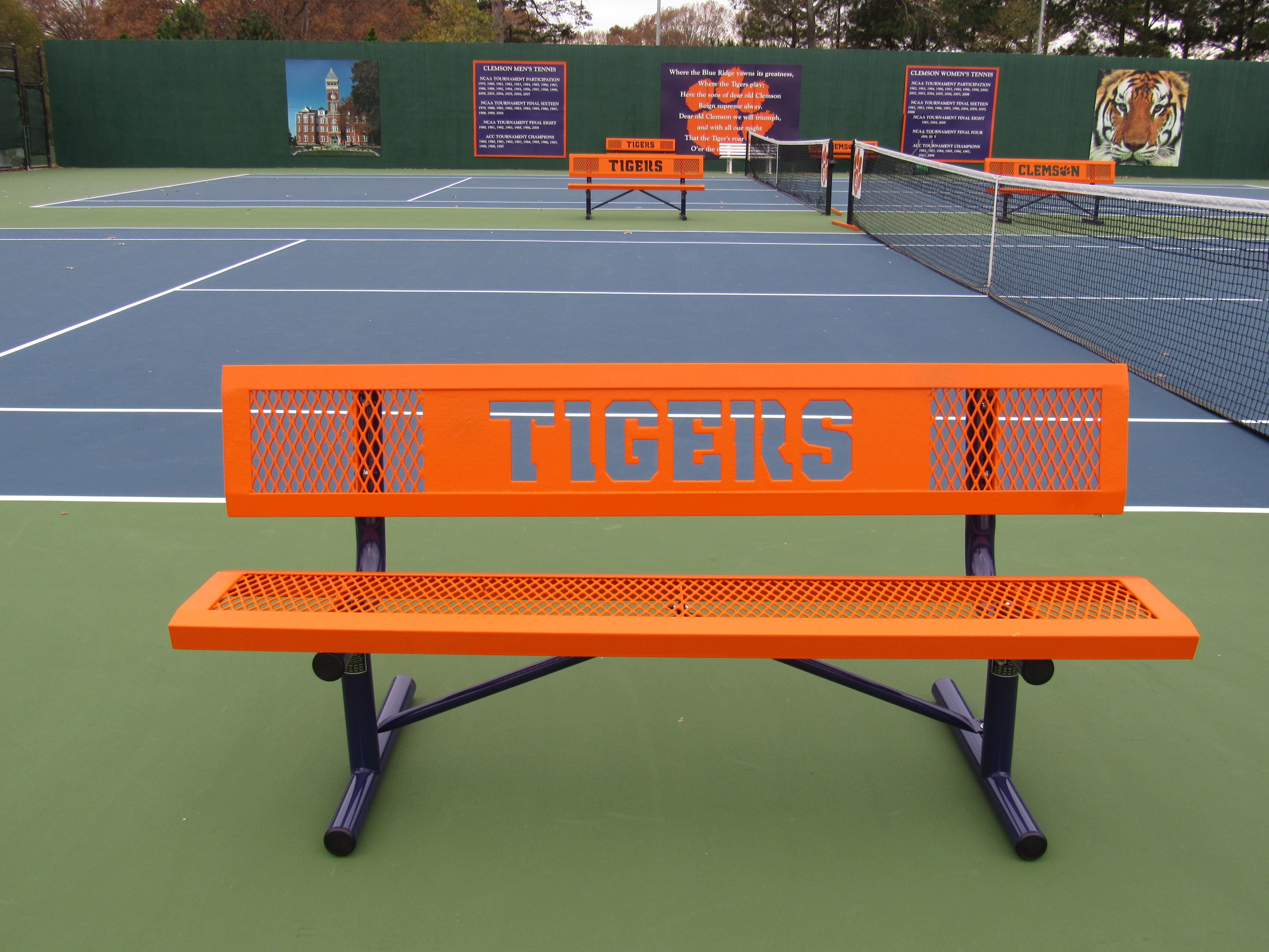 clemson tennis bench