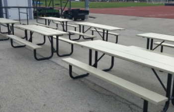 carroll-university-picnic-tables